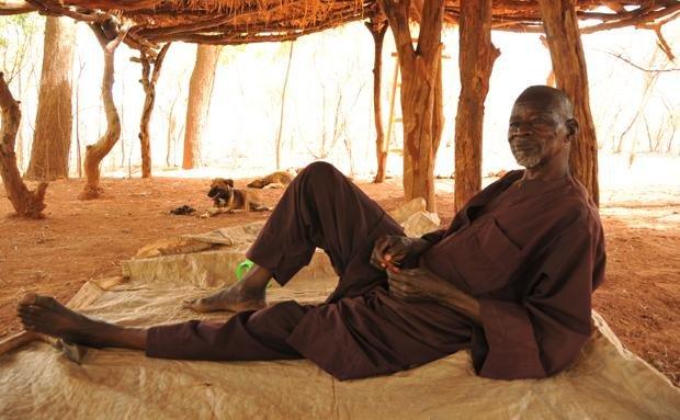 Früher nannten sie ihn einen Verrückten – heute ist Yacoubo für viele so etwas wie ein Heiliger (Foto: Andrea Jeska)
