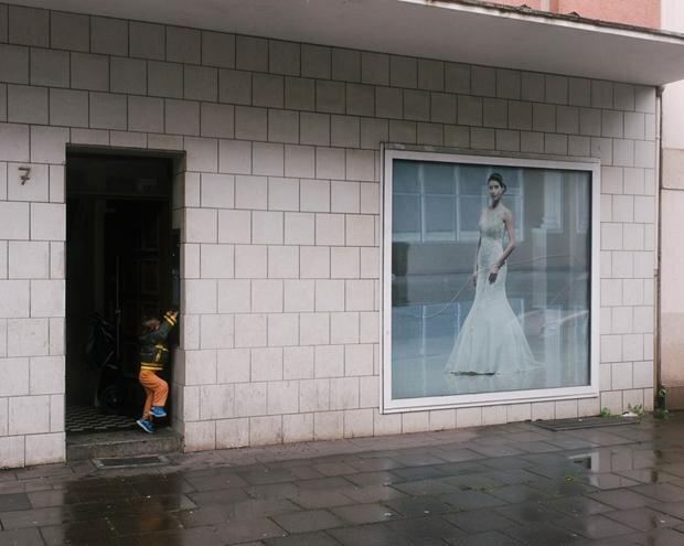 Der erste Brautmodeladen öffnete vor rund 20 Jahren. Der Erfolg der Geschäfte sorgt für Selbstbewusstsein in Marxloh (Foto: Jörg Brüggemann/Ostkreuz)