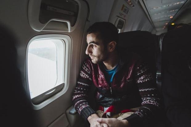 """Ajad hatte in Deutschland eine Schussverletzung behandeln lassen wollen. Aber dann fand er es schwer, sich hier zurechtzufinden. Eine Arbeit hat er auch nicht bekommen. Irgendwann sagte er zu seinem Mitbewohner in der Flüchtlingsunterkunft: """"Ich halte es  (Foto: Fabian Weiss)"""