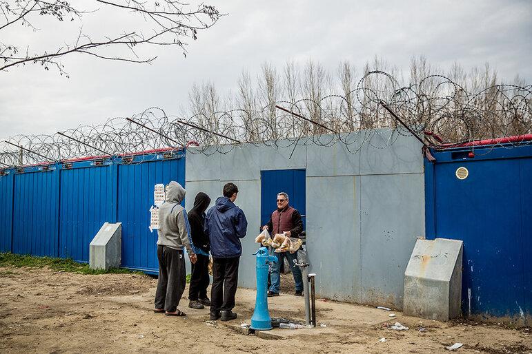Junge Flüchtlinge in Ungarn