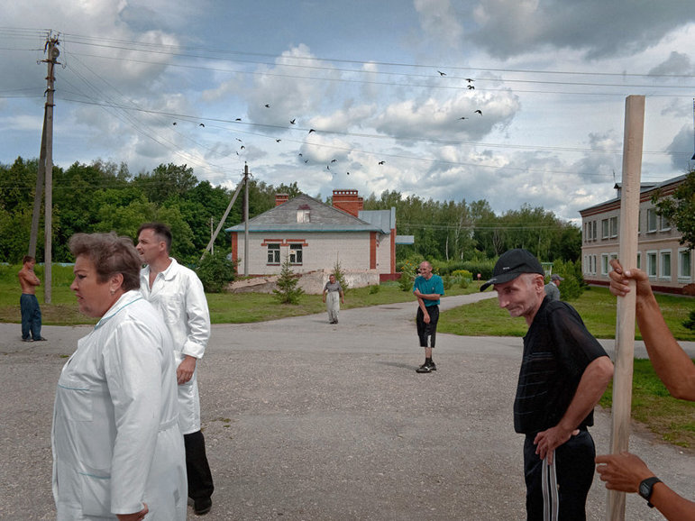 Manchmal mischen sich die Patienten unter die übrigen Dorfbewohner (Anastasia Rudenko)