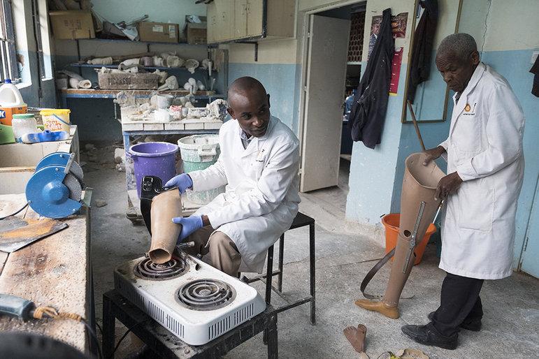 Anpassen einer Beinprothese