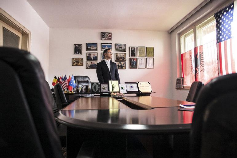 Agim Rexhepi in seinem Büro in Pristina