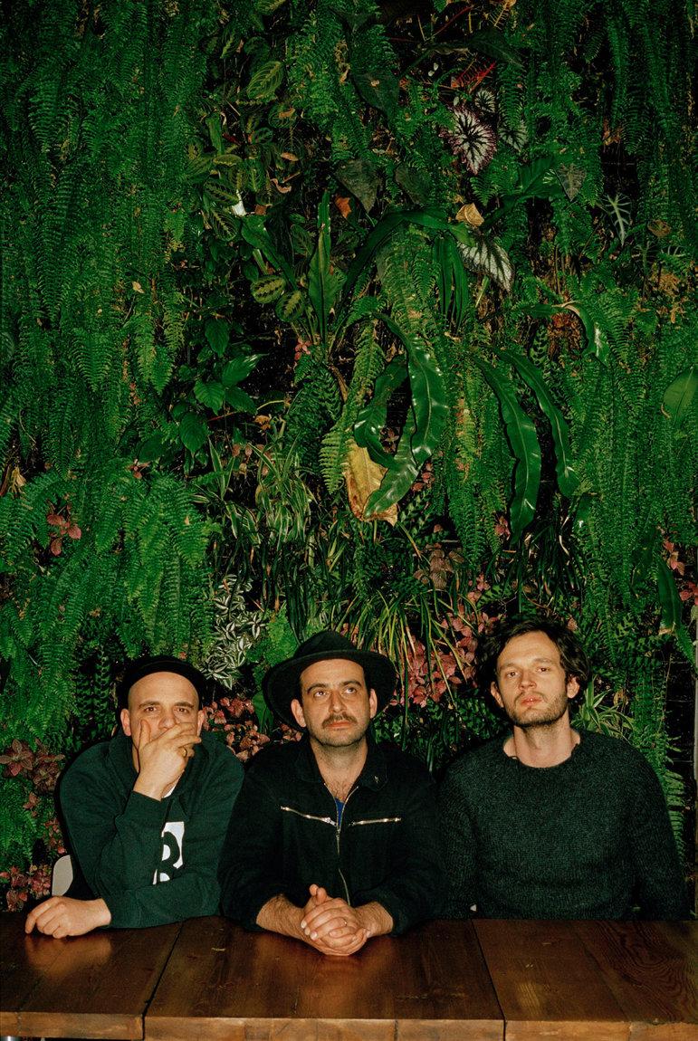 Die Band Moderat aus Berlin  (Foto: Samuel J Butt)