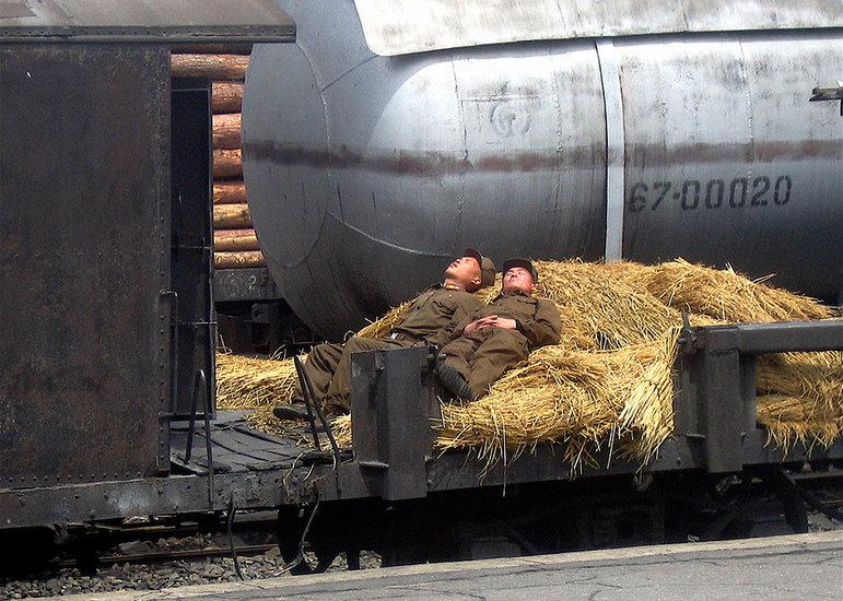 Soldaten schlafen (Foto: Bryan Hughes 2007)