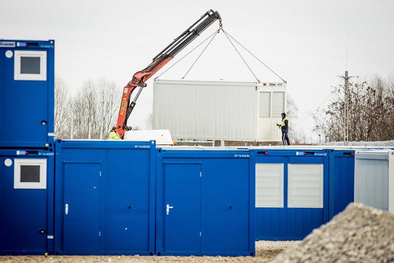 Container werden aufgestellt