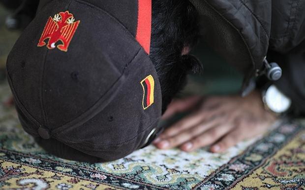Echter Perser, gläubiger Moslem, neuer Deutscher – so gut kann das alles zusammen passen (Foto: dpa/picture-alliance)
