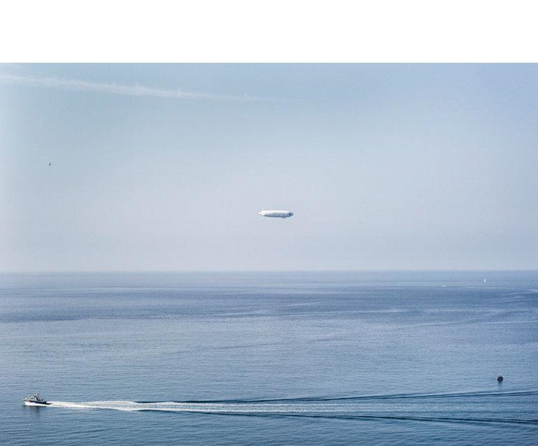 Boot der französischen Küstenwache, Überwachungszeppelin und Dronenboot – Testphase eines Forschungsprojektes im Rahmen von Eurosur (European External Border Surveillance System), Südfrankreich, Juli 2013