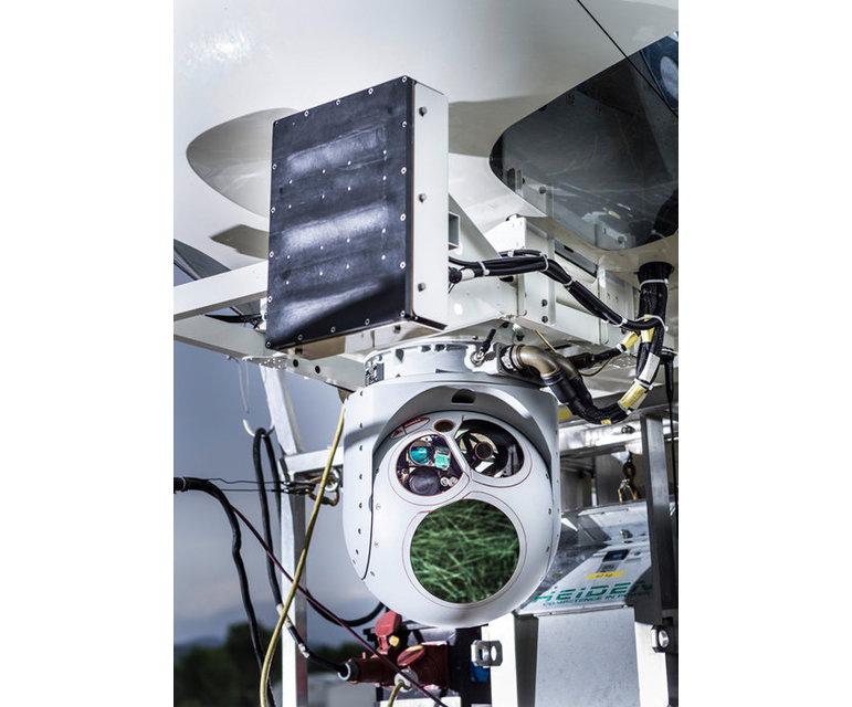 Spezialradar zur Erkennung von kleinen Holzbooten und Hochleistungsüberwachungskamera, montiert an einen Zeppelin