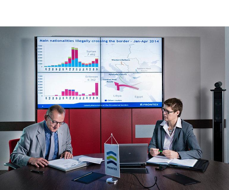 Frontex-Hauptquartier in Warschau, Juni 2014- Klaus Rösler, Abteilungschef Einsatzmanagment, und Béatrice Comby, Direktorin Kapazitätsaufbau