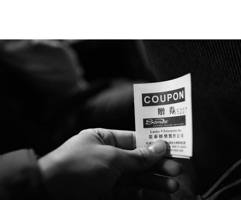 15 Dollar kostet die Fahrkarte. Dazu gibt es Gutscheine, die die Pendler an die Casinobesucher verkaufen können. So bestreiten sie ihren Lebensunterhalt.