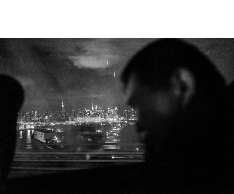 Der Bus passiert die Manhattan Bridge.