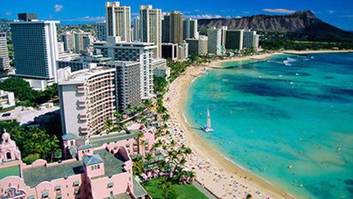 Schlafen am Strand von Honolulu, Hawaii / Foto: