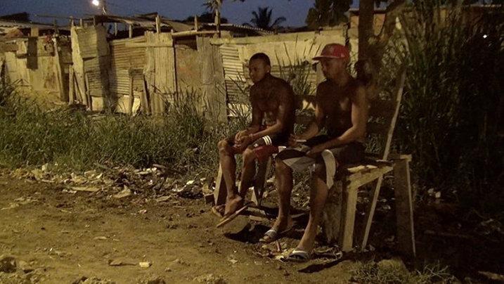 Jugendliche im Slum in Kolumbien
