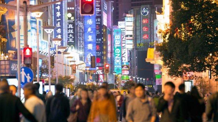 Hunderttausende arbeiten in Schanghai, ohne je richtig anzukommen