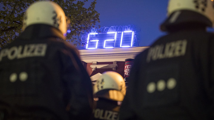 Polizisten am 1. Mai in Hamburg