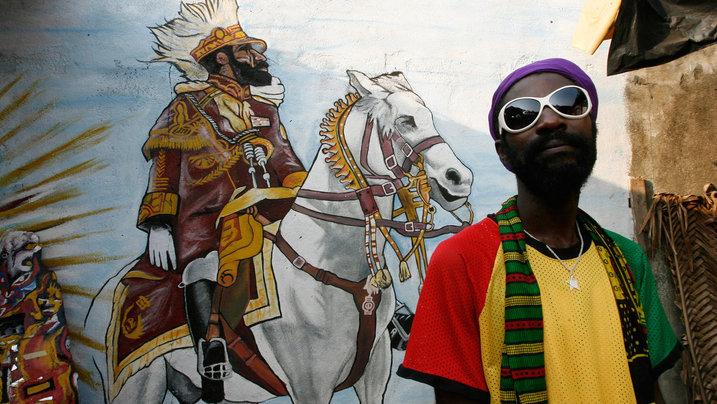 Rastafari vor Abbildung von König Salomon
