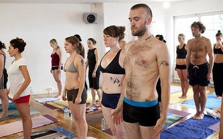 Tattoos sind in der Mitte der Gesellschaft angekommen. Genau wie Yoga