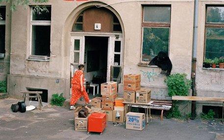 Alles rausholen aus dem Gebäude: Die ehemaligen Bewohner müssen gehen, weil die Investoren mehr verdienen wollen