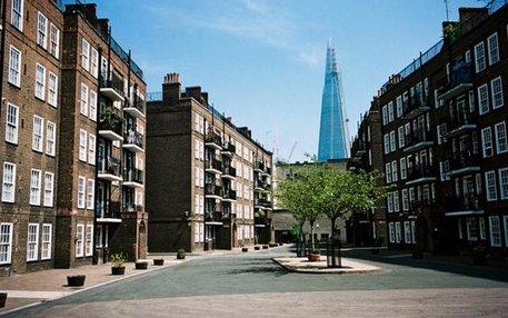Im Schatten der Glitzerhochhäuser wird es in Londons Wohngebieten immer ungemütlicher