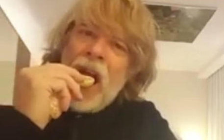 Bild aus einem YouTube-Clip von Helge Schneider