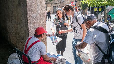 """""""Israel Hayon"""" wird gratis verteilt"""