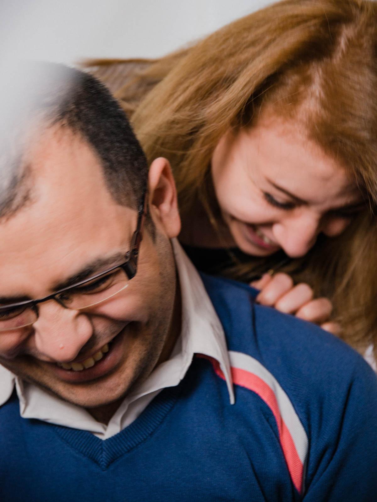 Aziz und Lama, beide lachen (Foto: Christian Protte)